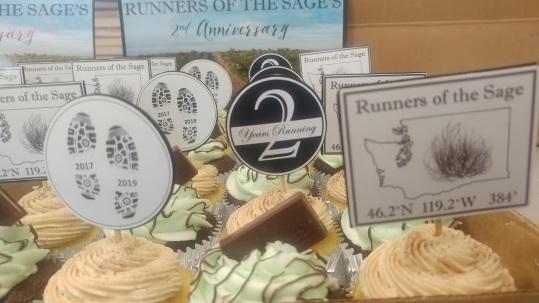 Anniversary 2 Cupcakes Close